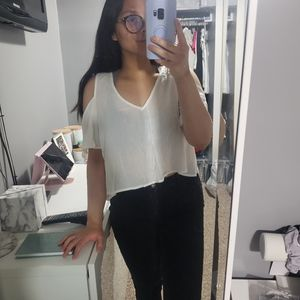 ⭐ BRAND NEW WITH TAGS! F21 Off shoulder blouse